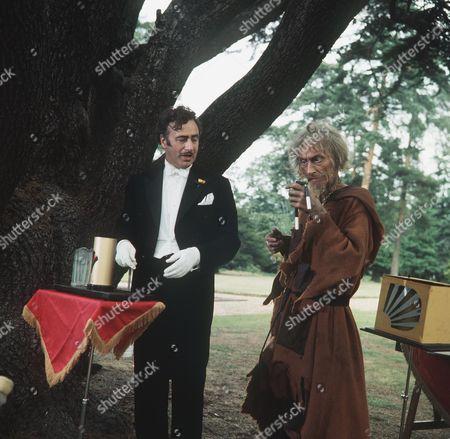 'Catweazle'  TV - 1971 - The Heavenly Twins - Geoffrey Bayldon as Catweazle and Paul Eddington as Vadanti