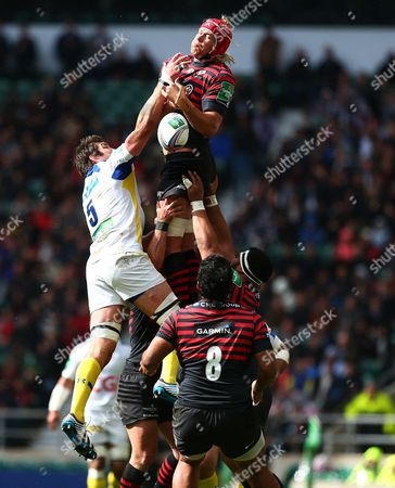 Nathan Hines of ASM Clermont Auvergne and Mouritz Botha of Saracens in action