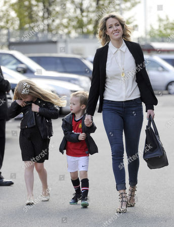 Lisa Roughead and children Louise and Jacey