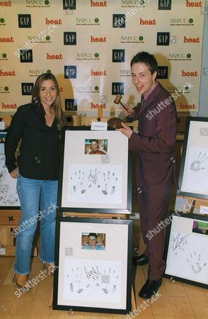 HAND PRINT / SIGNATURE OF THE OF ANT & DEC, WITH AUCTIONEER AND EX ALL SAINTS MEMBER MELANIE BLATT