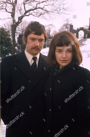 ALISON FISKE AND MARTIN SHAW IN 'HELEN A WOMEN OF TODAY' 1973