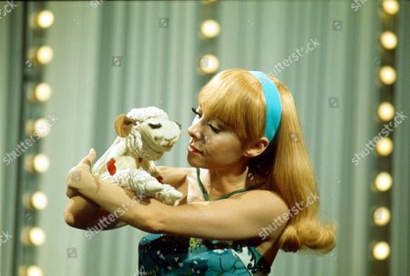"SHARI LEWIS AND LAMB CHOP IN "" MAGGIES PLACE "" - 1970"