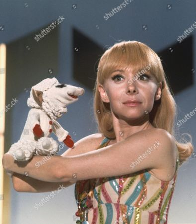 Stock Image of SHARI LEWIS AND LAMB CHOP IN THE 'SHARI LEWIS SPECTACULAR' -70