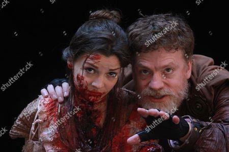 Flora Spencer-Longhurst as Lavinia and William Houston as Titus Andronicus
