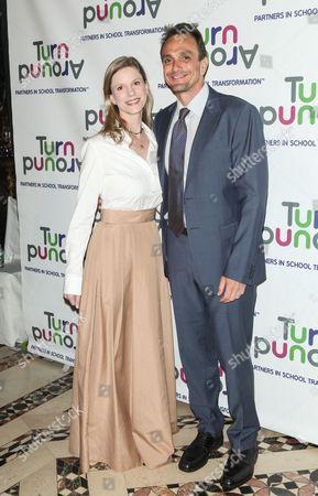 Katie Wright and Hank Azaria