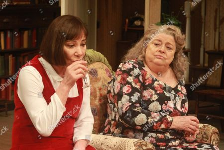 Zoe Wanamaker as Stevie and Lynda Baron as Aunt