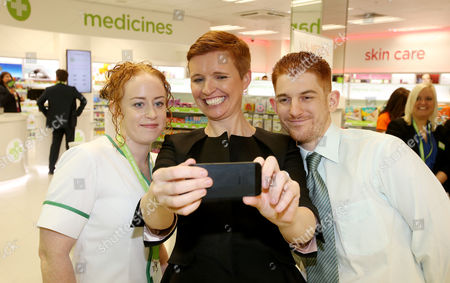 Leading health and beauty retailer, Superdrug, launches its new Wellbeing concept store in Banbury, Oxfordshire.  Dr Pixie McKenna oposes with staff as she fficially opens the store.