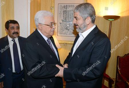 Mahmoud Abbas meets with political bureau head of Hamas, Khaled Meshaal