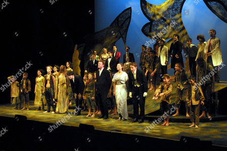 THE NATIONAL YOUTH THEATRE CAST ON STAGE