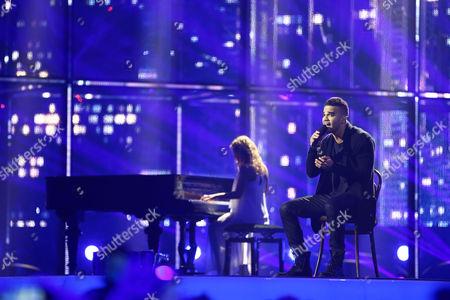 "Andras Kallay-Saunders representing Hungary performs ""Running"""