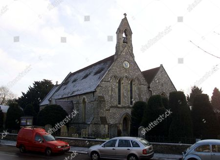 CHURCH OF ST MARY MAGDALEN AT RIPLEY, SURREY, WHERE ERIC CLAPTON SECRETLY WED MOTHER OF HIS BABY DAUGHTER ON NEW YEAR'S DAY