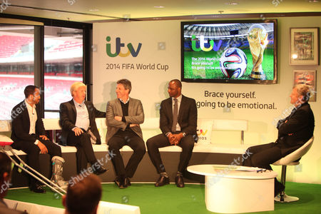 Andros Townsend, Gordan Strachan, Andy Townsend and Patrick Vieira with Adrian Chiles