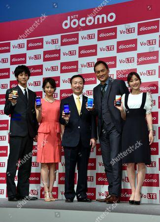 Tori Matsuzaka, Maki Horikita, President and CEO Kaoru Kato of NTT Docomo, Ken Watanabe and Satomi Ishihara