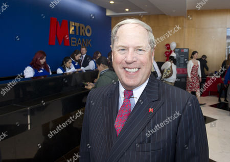 Metro Banking Boss Vernon Hill At The New Drive Through Bank In Slough.