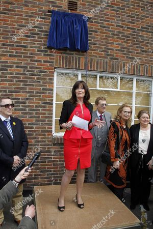 Blue Plaque Unveiled At Teddington Studios In Honour Of Morecambe And Wise. Vicky Michelle Makes A Speech In Memory Of The Star Couple.