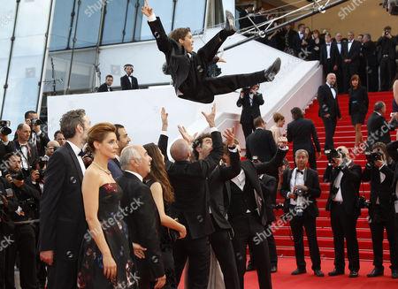 Vincent Desagnat, Alice David, Philippe Lacheau, Nicolas Benamou, Clotilde Courau, Enzo Tomasini, Julien Arruti, Tarek Boudali