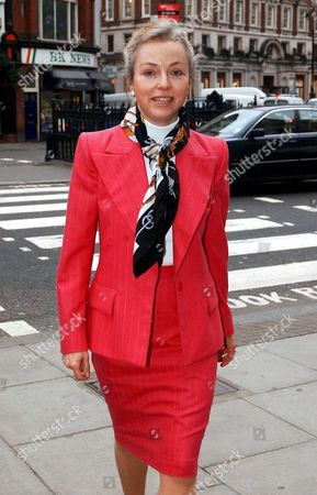 GLORY ANNE CLIBBERY, MISTRESS OF MILLIONAIRE RACEHORSE OWNER IVAN ALLAN. SHE SOLD HER STORY TO THE DAILY MAIL AND HE TRIED TO GAG HER BUT LOST