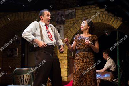 'Fings Ain't Wot they Used T'be' - Mark Arden and Jessie Wallace