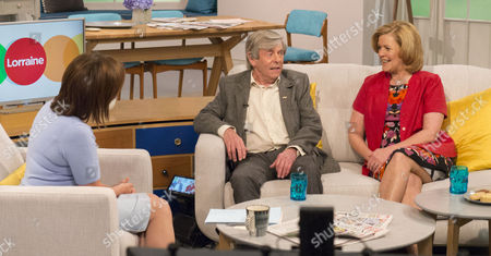 Lorraine Kelly with Melvyn Hayes and his wife Jayne