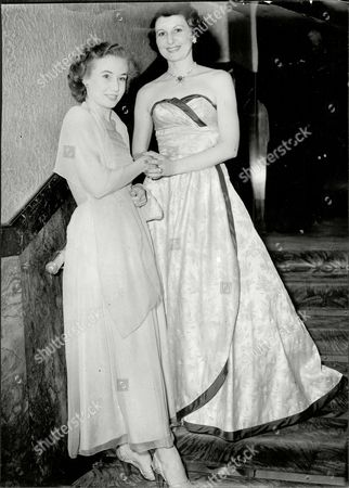 Margot Holden (l) And Doris Barry (r) At The Windmill Theatre.