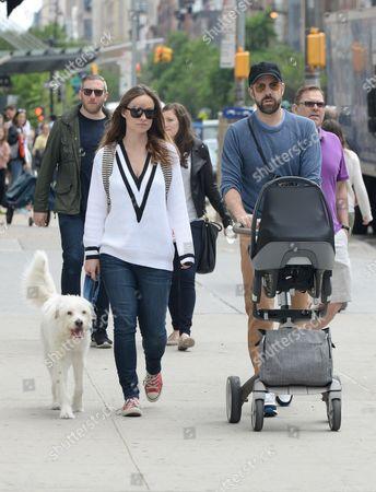 Olivia Wilde, Jason Sudeikis and son Otis Sudeikis with dog Paco