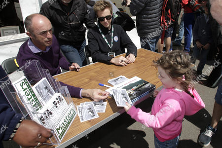 David  Brabham held a tribute to his father, Sir Jack Brabham with his son Sam.