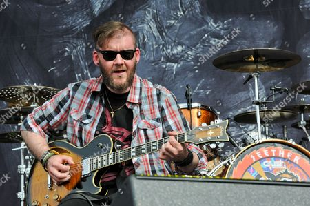 Dale Stewart with Seether
