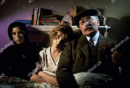 Billie Whitelaw ; Jane Horrocks ; Edward Woodward