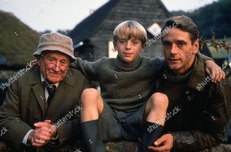 Cyril Cusack, Samuel Irons, Jeremy Irons