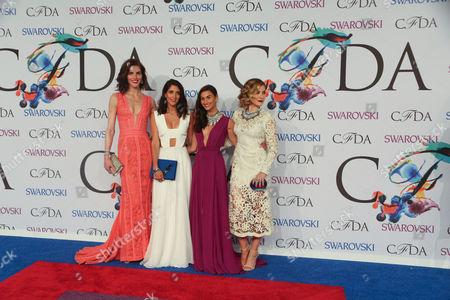 Hilary Rhoda, Jodie Snyder, Danielle Snyder, Sophia Bush