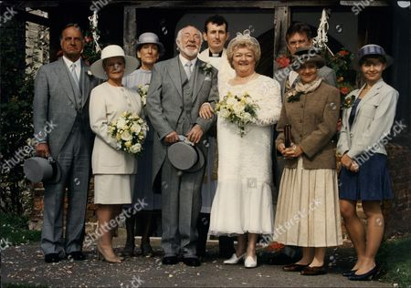 Television Programme 'as Time Goes By'. Front: (l-r) Geoffrey Palmer Dame Judi Dench Frank Middlemass And Joan Sims.