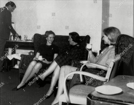 Maurice Macmillan (son Of Former Premier Harold Macmillan) Pours A Drink For (l-r) Mrs Wiggen Mrs Macmillanand Mrs Tapsall During General Election.