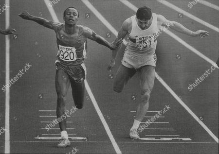 World Athletics Championships Helsinki 1983 - Calvin Smith Of The Us Wins Semi Final Of The Men's 100 M Ahead Of Britain's Allan Wells.