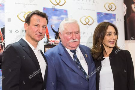 Lech Walesa with actor Robert Wieckiewicz  and actress Maria Rosaria Omaggio during photocall