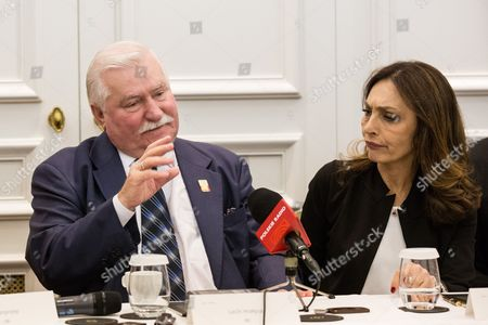 Lech Walesa with actress Maria Rosaria Omaggio during photocall