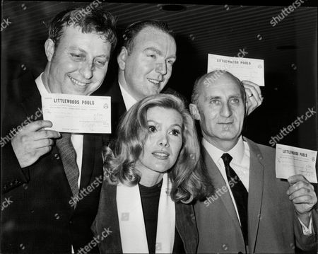 Actress Susan Hampshire Presenting Three Pools Winners With Their Cheques. L-r: Roy Bishop John Perkins Susan Hampshire And Myer Ostroff.