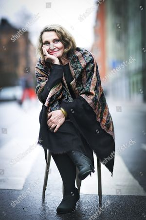 """Australian writer Robyn Davidson who's book """"Tracks"""" about her 1,700-mile trek across the deserts of west Australia using camels now has become a movie."""
