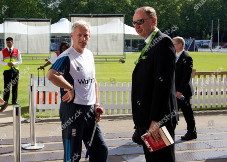 England Head Coach Peter Moores (L) chats with Jonathan Agnew (BBC Test Match Special)