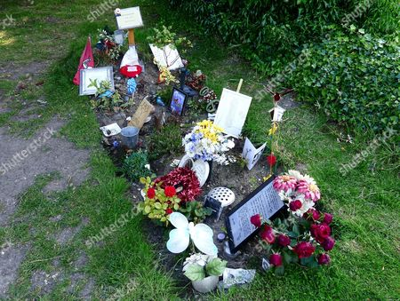 Tributes left at the grave of Robin Gibb