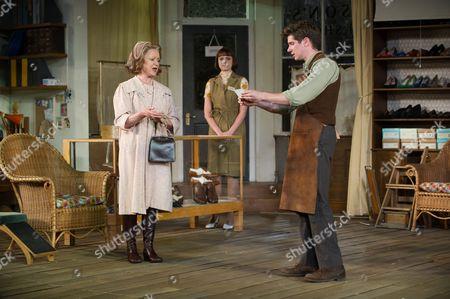 Joanna David (Mrs Hepworth), Hannah Britland (Vickey Hobson), Karl Davies (Will Mossop)