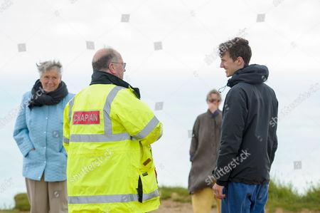 Beachy Head Chaplaincy director Mark Pybus talking to walkers