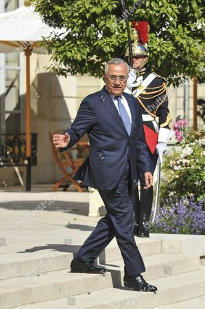 Lebanese President Michel Suleiman leaving after the meeting