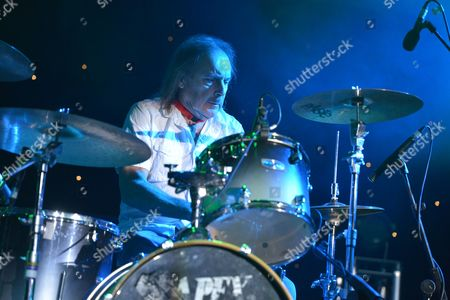 The Giants of Rock Festival, Minehead, Somerset - John Coghlan's Quo - John Coghlan