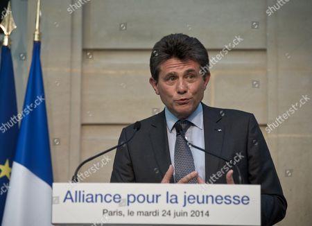 AXA CEO Henri de Castries