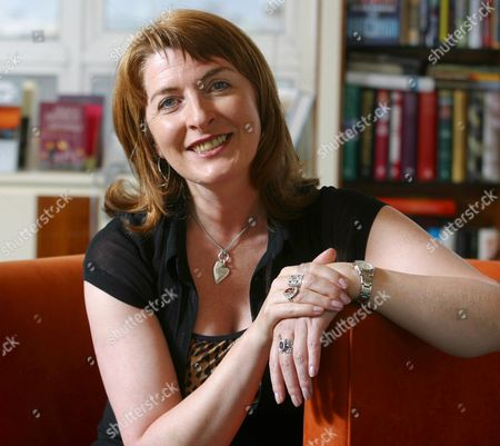 Editorial photo of AUTHOR JANICE GALLOWAY WHO HAS NEW BOOK ABOUT SCHUMAN THE COMPOSER - 2002