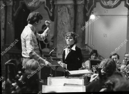 Angela Rippon Newsreader Narrates Peter And The Woolf With The Halle Orchestra With Conductor Owain Hughes In Harrogate.