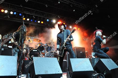 (L-R) Kyle Sanders, Tom Maxwell and Chad Gray with Hellyeah perform