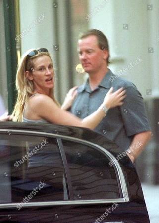 Stock Picture of JULIA ROBERTS WITH BARRY TUBB