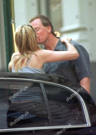 JULIA ROBERTS KISSING BARRY TUBB