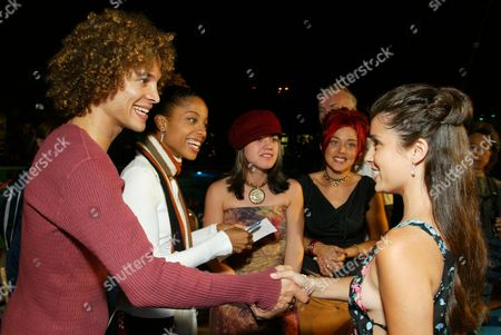 08/19/02  Los Angeles, CA Shiri Appleby(cast) and American Idol Finalist(l-r) Justin Guarini, Tamyra Gray, Kelly Clarkson and Nikki McKibbin. Twentieth Century Fox presents the world premiere of 'Swimfan'.  The premiere marked the World's first Dive-In Movie Screening and Pool Party. Photo@Eric Charbonneau/BEImages.net